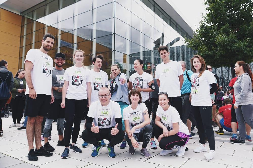 Harfandění a premiéra Queens Running Teamu